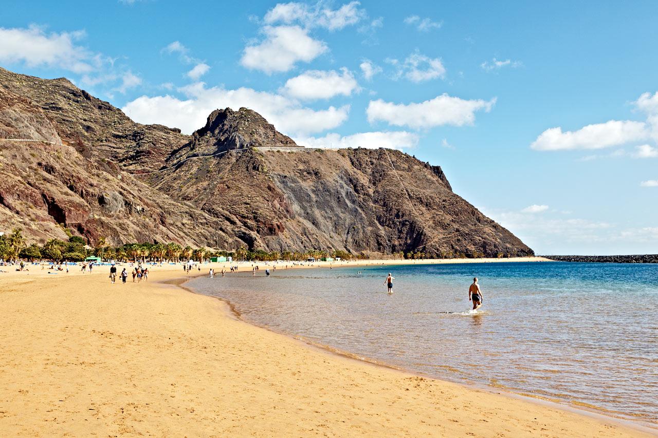 Espanja - Playa De Las Teresitasin ranta Santa Cruzissa,Teneriffalla