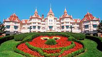 Disneyland®Hotel sis.pääsyliput – perhehotelli hyvillä lapsialennuksilla.