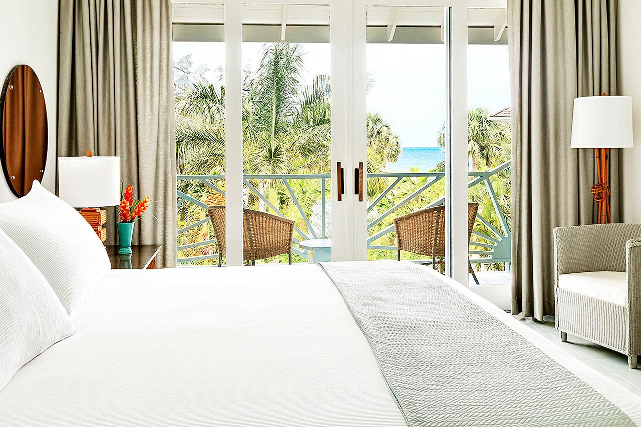 Kahden hengen huone ja rajoitettu merinäköala