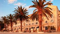 Hotelli Riva Hvar Yacht Harbour Hotel ¬– Tjäreborgin valitsema