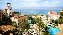 Bahia del Duque  – yksi suosituista romanttisista hotelleistamme.